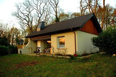 Blick vom Garten auf das Haus / Terrasse